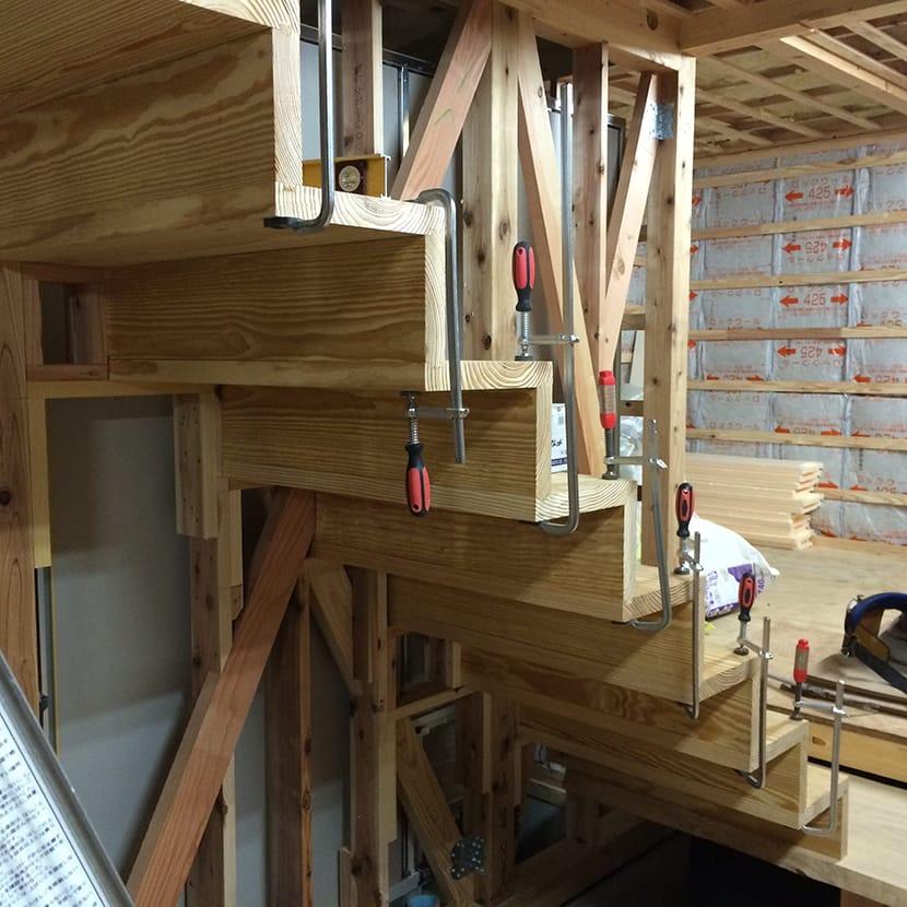 片持ち階段 施工